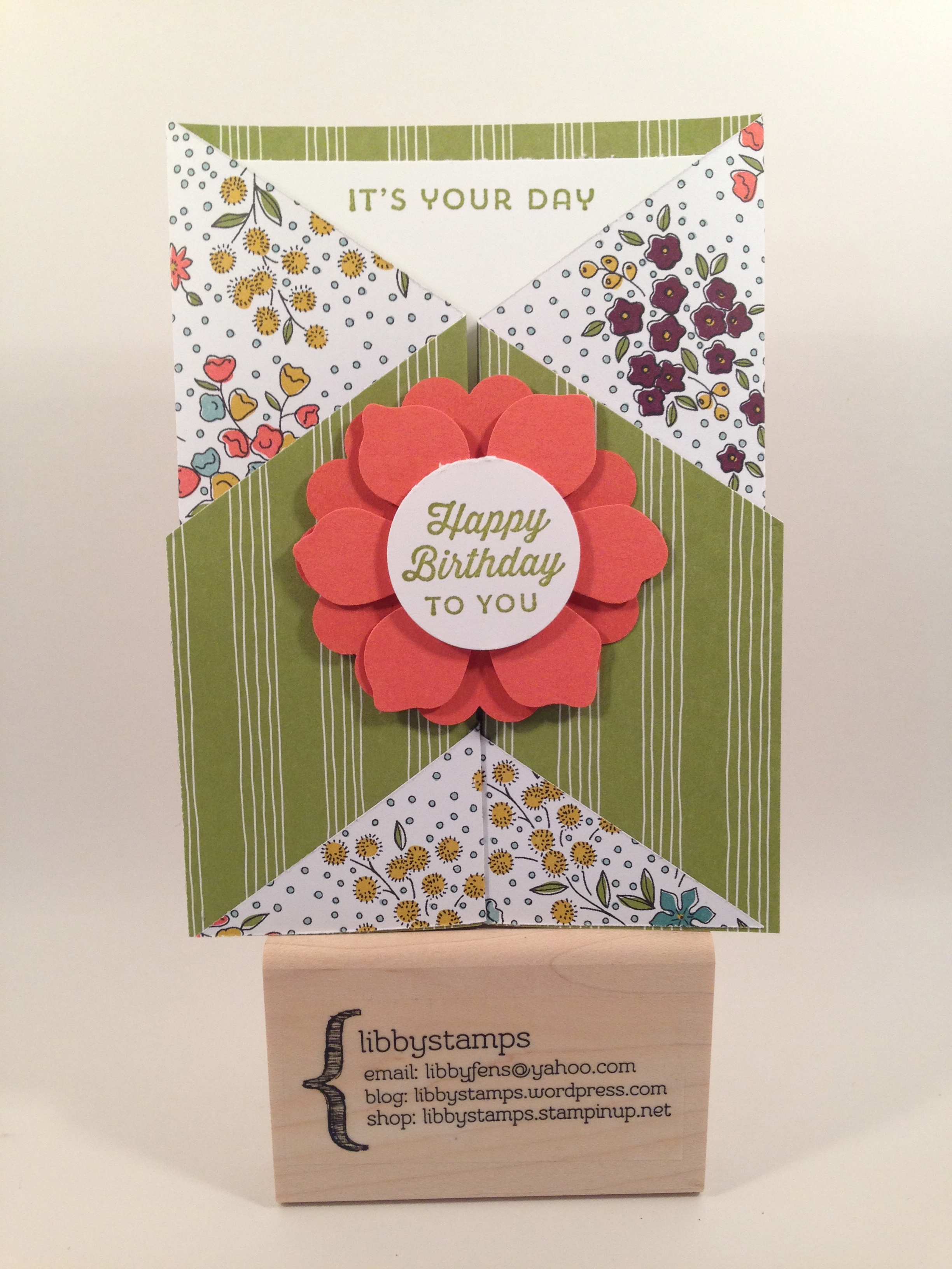 libbystamps, Stampin Up, 2 3/8 Scallop Circle Punch, Fun Flower Punch, Double Gate Fold Card, Wildflower Fields DSP, Sunburst Sayings,